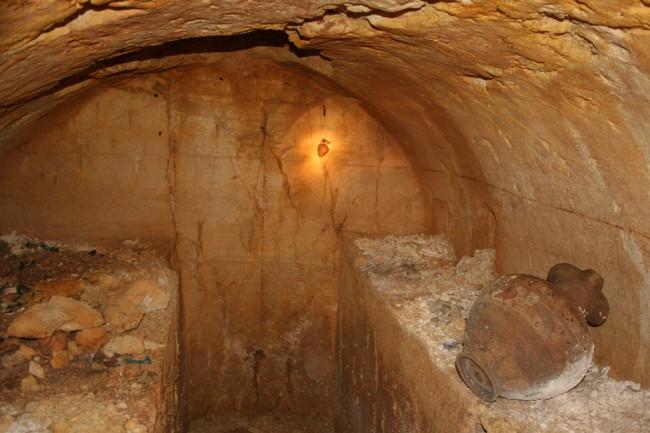 etruscan-tomb.jpg
