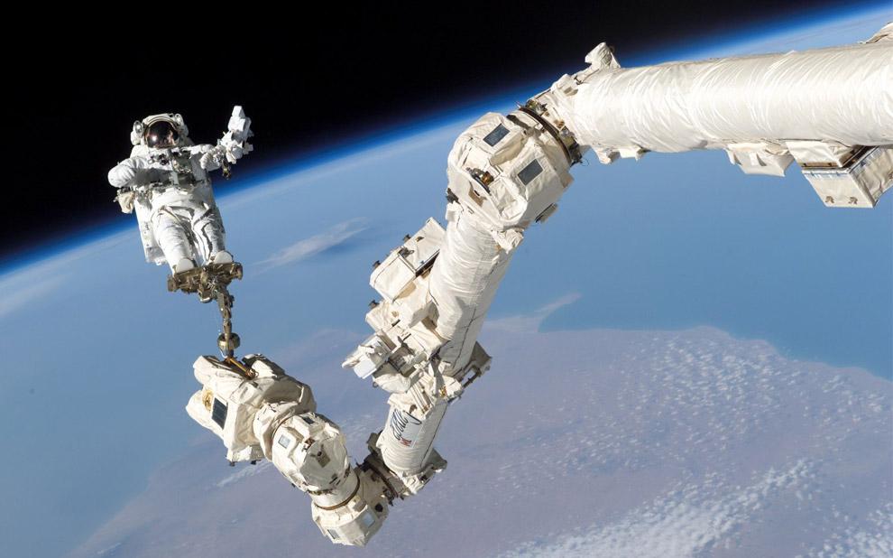 spacewalk1.jpg