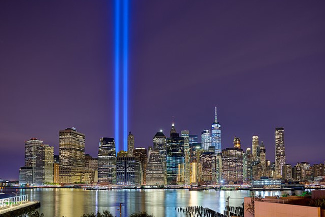 640px-Tribute_In_Light_ABC36_IQ3100.jpg