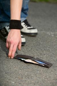 lost-wallet-200x300.jpg
