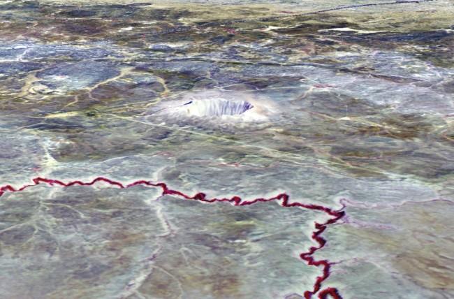 Meteor-crater-3D-1024x675.jpg