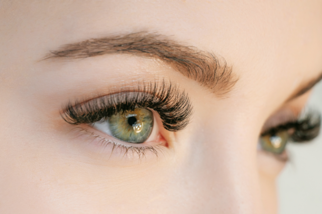 Do eyelashes exist, in part, to keep our eyes from drying out? (Credit: KDdesignphoto/Shutterstock)
