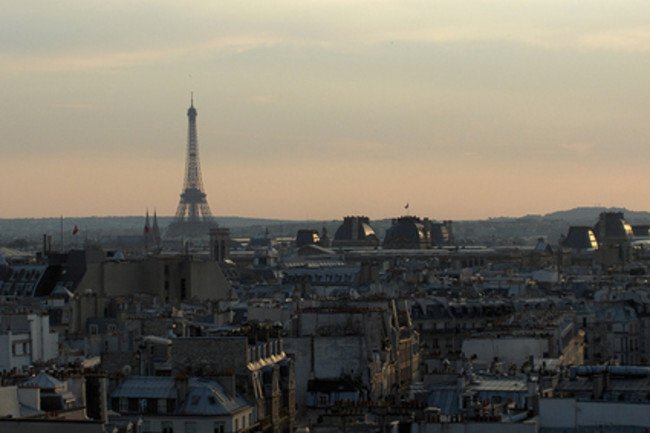 paris-skyline425.jpg