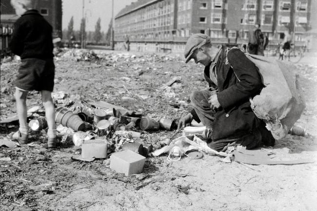 Amsterdam Hunger Winter 1914 - Nederlands Fotomuseum