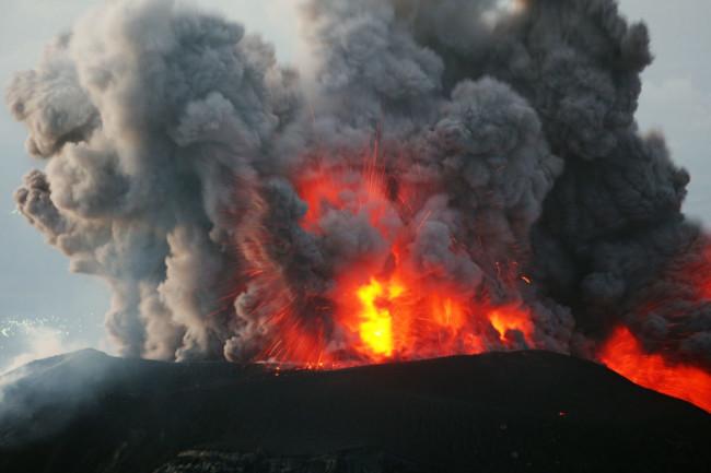 Santiaguito-volcanoTA_GettyImages-96779914-1024x768.jpg