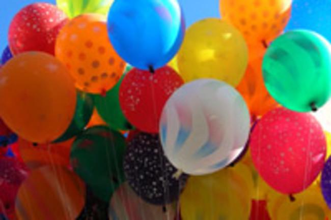 Balloons_in_the_sky.jpg