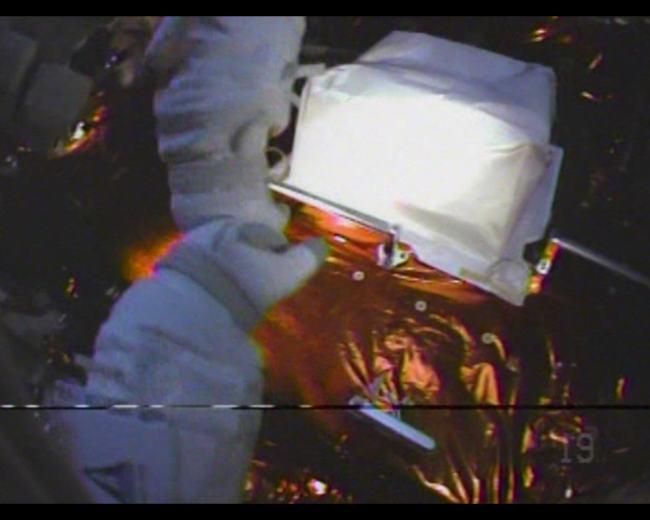 astronaut_fist_bump.jpg