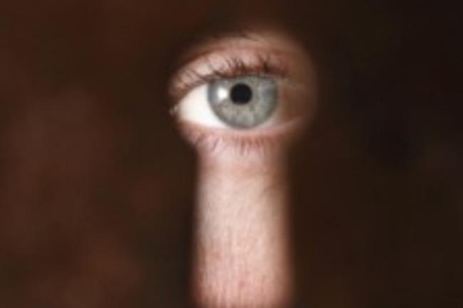 eye-keyhole-spy