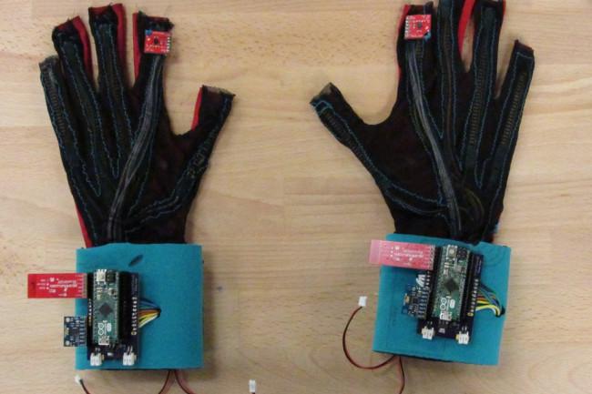 SignAloud-gloves-1024x767.jpg