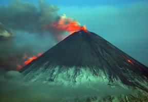 klyuchevskoy_volcano.jpg
