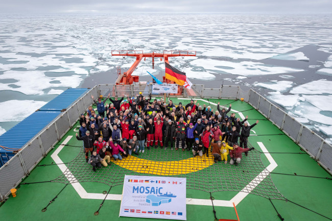 MOSAiC Expedition at the North Pole
