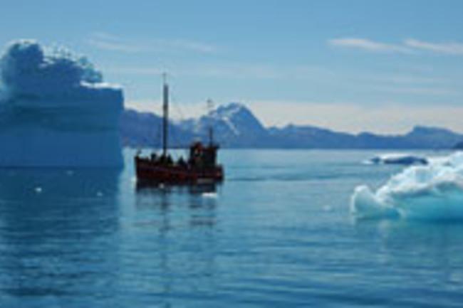 arctic-iceberg-boat.jpg