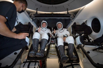 Crew Dragon Safely Returns Astronauts to Earth, Despite Minor Hiccup