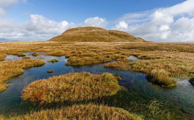 800px-A peat bog below the top of Doune Hill, Luss Hills, Scotland