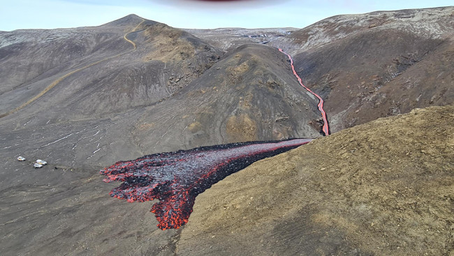 The lava flow snaking from Meradalir.