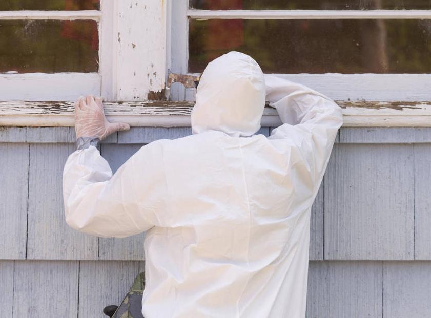 Lead Paint Worker - Alamy Stock