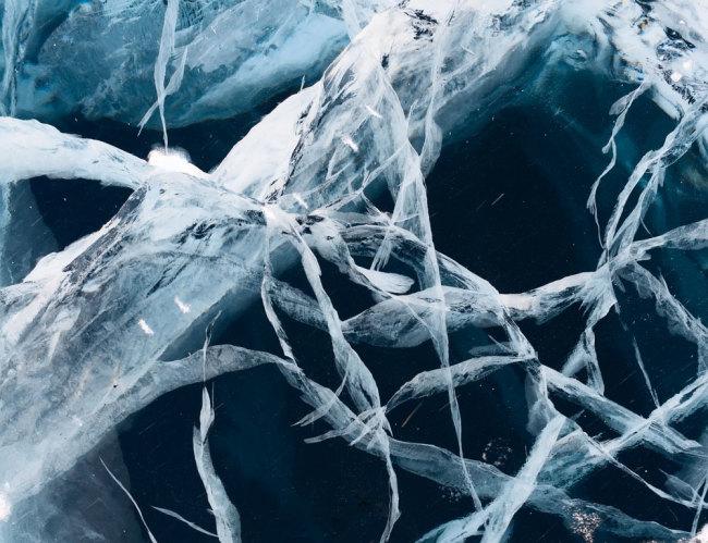 ice-cracking.jpg