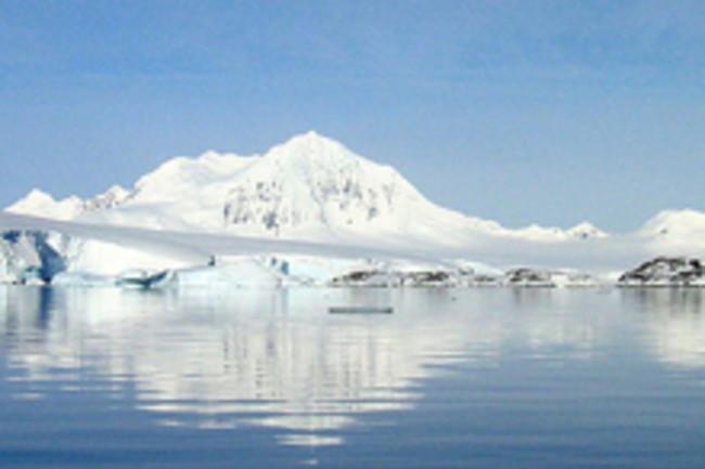 Mount_William_Antarctica.jpg