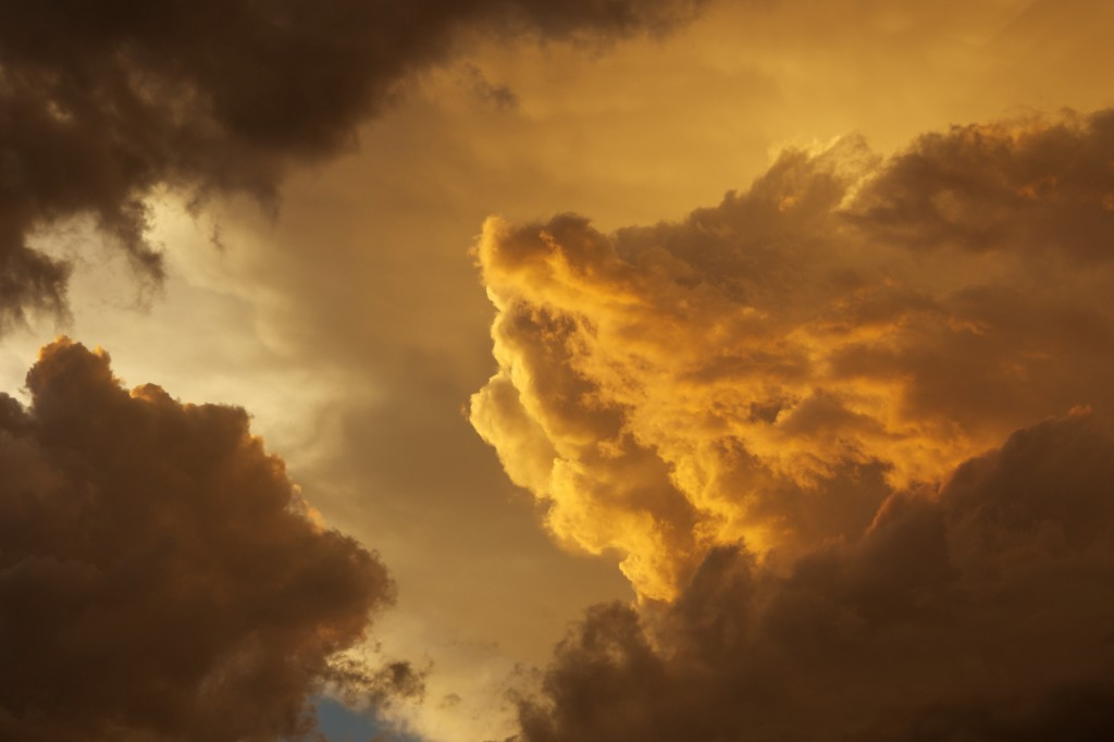 Thunderstorm-cloud-detail-6-28-13-1024x682.jpg
