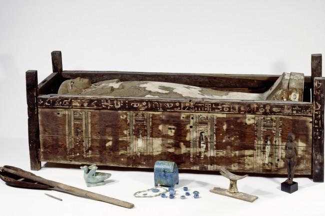 Sarcophagus_Tadja_c_Aegyptisches_Museum_Steiss_Sandra.jpg.jpg