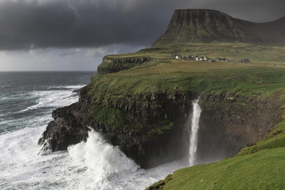 strong-winds-faroe-islands.jpg
