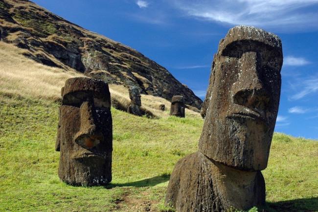 Moai-on-Rapa-Nui.-CREDIT-Terry-Hunt-1024x681.jpg