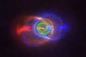 Dueling Stars Leave a Multicolored Cosmic Light Show