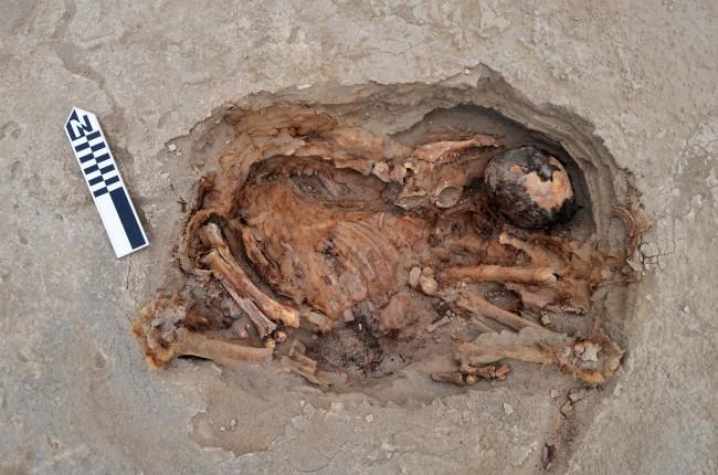 Chimu grave - PLOS ONE