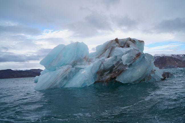 NA6915_yuls_iceberg1.jpg