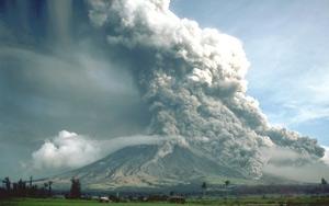 mayon_volcano_1984.jpg