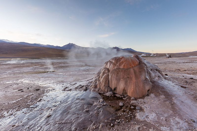 Geysers of El Tatio, Chile. (Image: Wikimedia Commons)