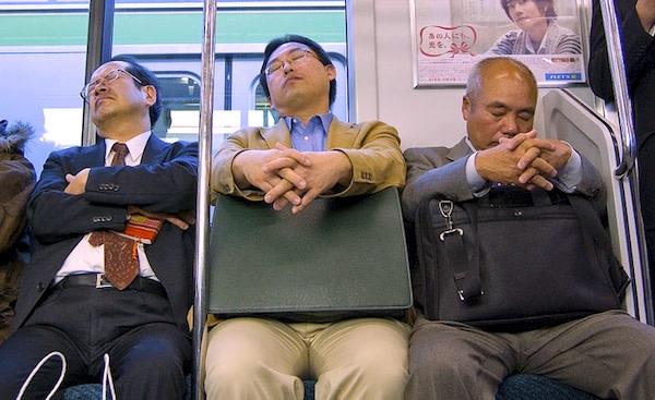 Schlafende-Japaner.jpeg