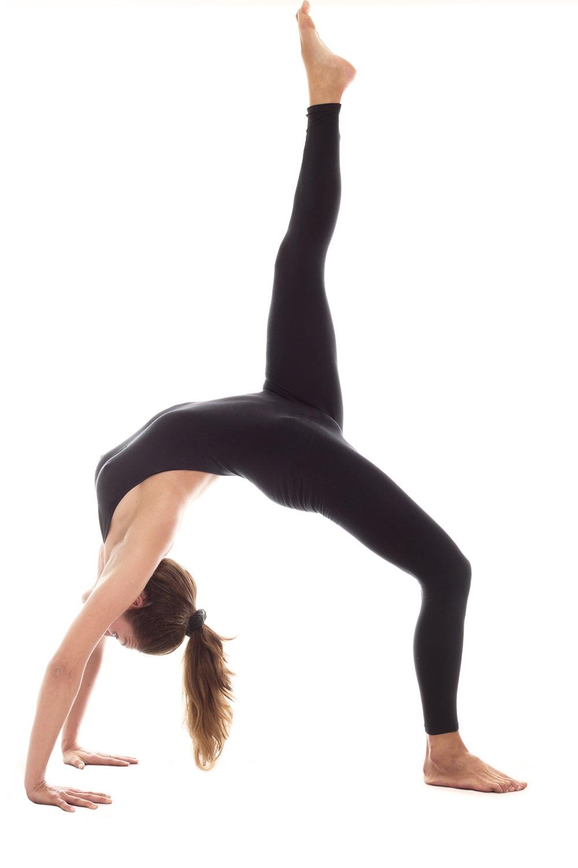 DSC-TW0817 01 yoga stock
