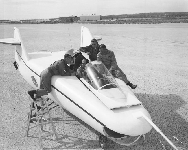 chuck yeager test pilot