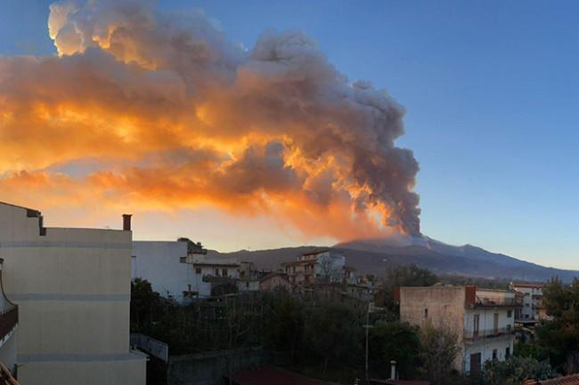 Etna Erupting on February 18
