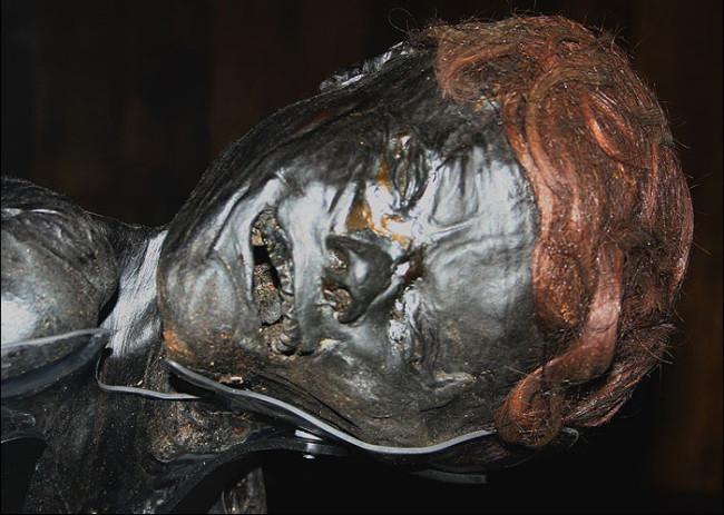 Grauballe Man, bog body - Wikimedia Commons