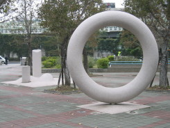 stringysculpture2.jpg