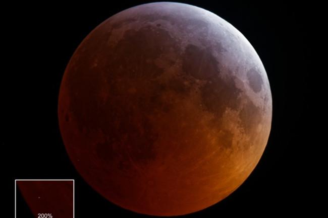 meteor strike moon during eclipse