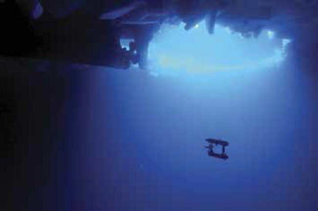 AUV1_Klaus-Meiners-Guy-Williams-Hanumant-SinghAAD-WHOI.-1.png
