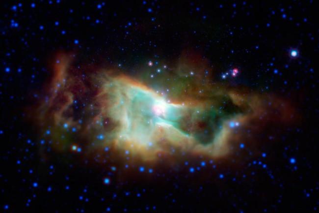Iris Nebula, Spitzer - NASA
