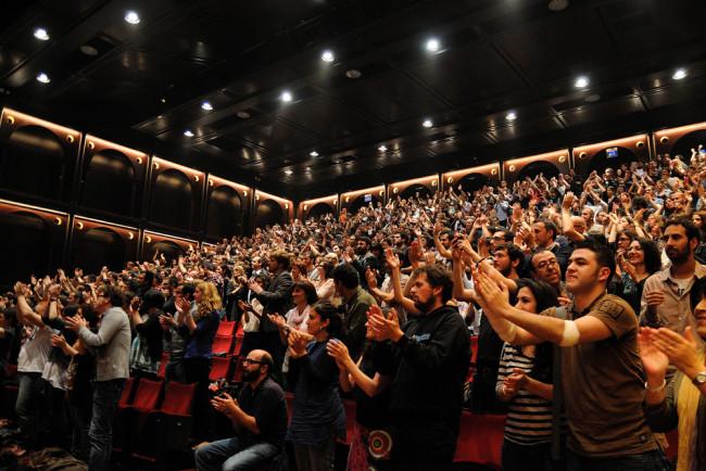 audience-applause.jpg