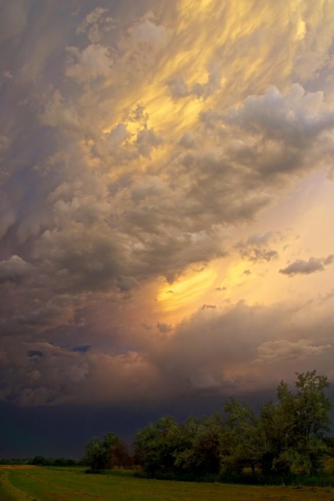 Thunderstorms-Over-Niwot-6-28-13-2-682x1024.jpg
