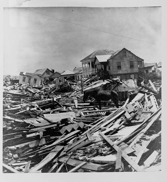 DSC-HR0719 08 Galveston Hurricane wreckage 1900