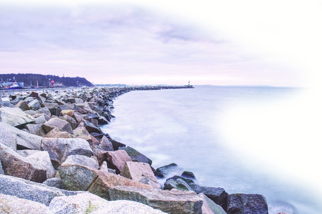 DSC-TW1119 04 mole breakwater Baltic Sea