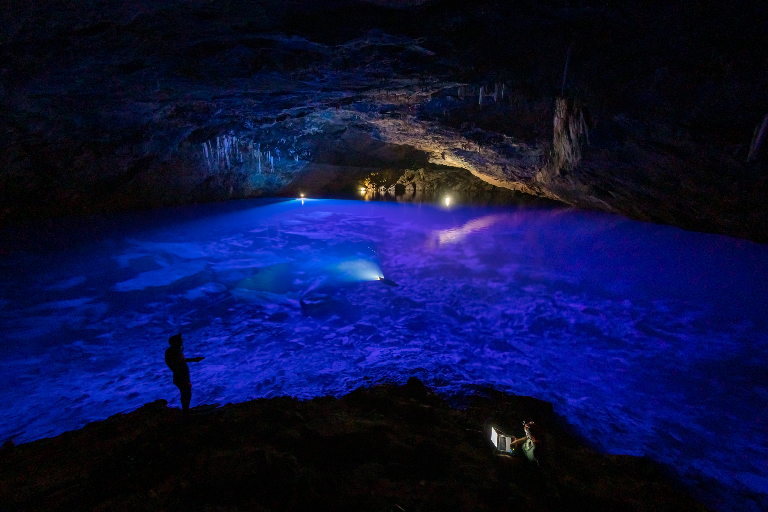 This AI-Guided Drone Has Mapped One of Earth's Deepest Subterranean Lakes