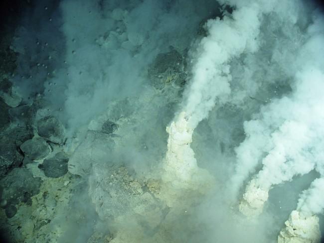 DSC-LA0719 03 hydrothermal vents