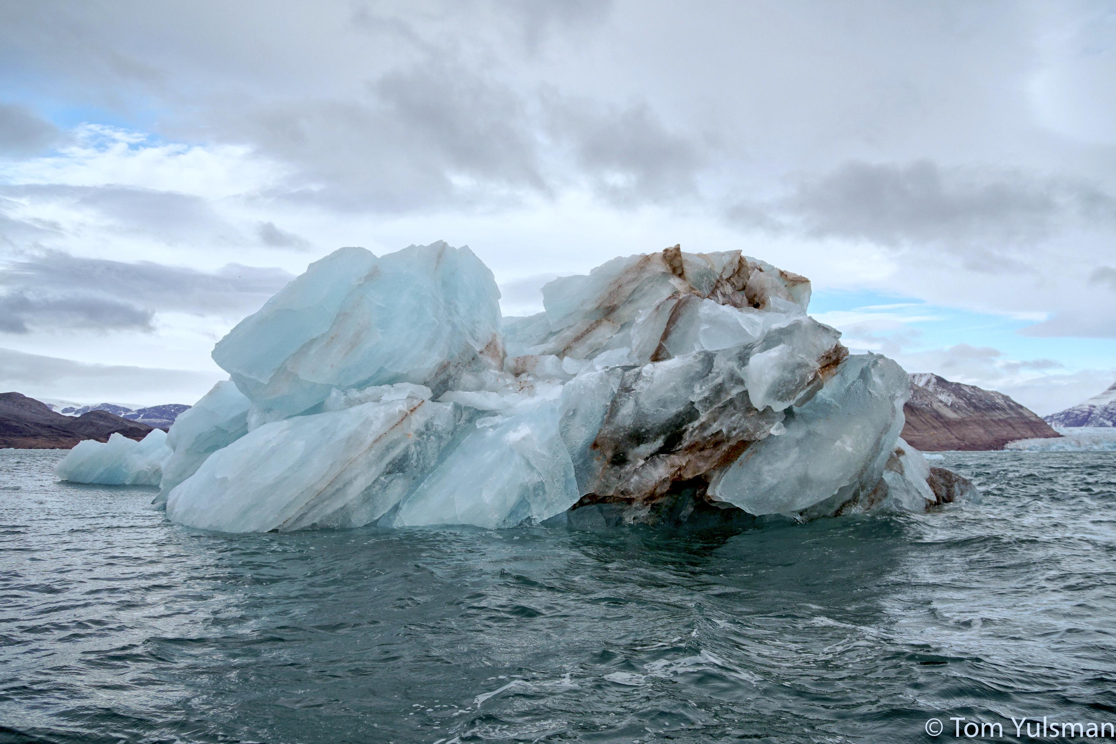 NA5916_yuls_iceberg3.jpg