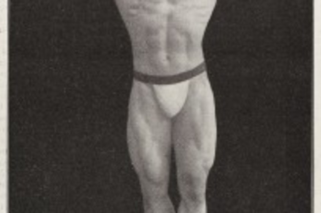 Male_body_builder_Maurice_Deriaz_c._1906_Wellcome_L0039137-205x300.jpg
