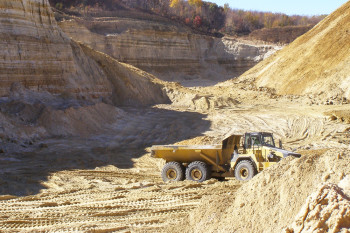 The Midwestern Sand Mines Feeding the Fracking Industry