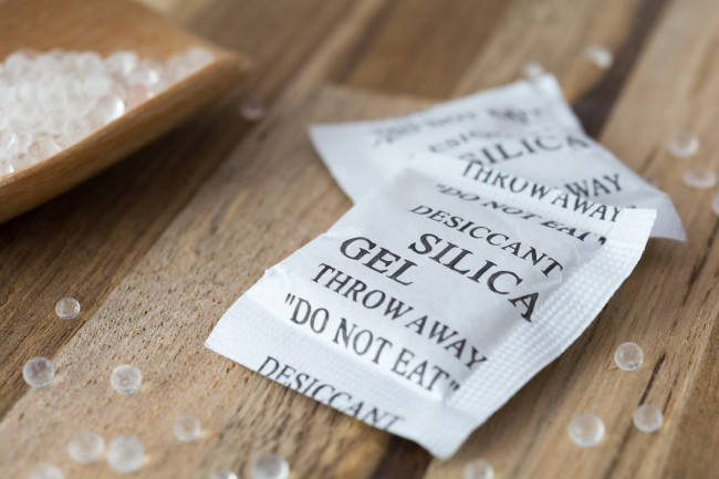 Silica gel packets
